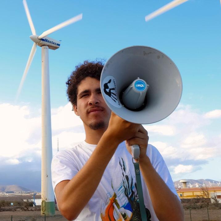 Azarug Justel, activista canario,