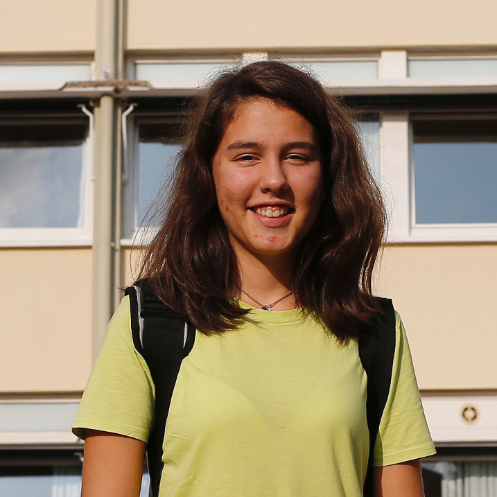 Nathalie Dunel, estudiante,